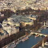 Gran Palais ou Petit Palais, à vous de voir.